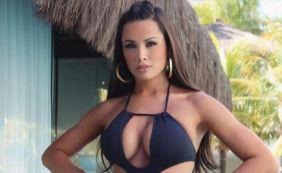 [Fernanda D'avila arranca elogios de seguidores ao posar de maiô: