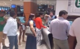 [Problema em guichês de estacionamento causa longas filas no Shopping da Bahia]