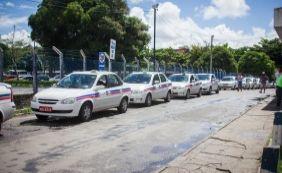 [Taxistas protestam contra liminar que autoriza Uber em Salvador]