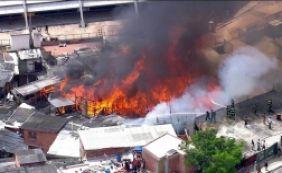 [Favela de Paraisópolis é atingida por segundo incêndio em dez dias]