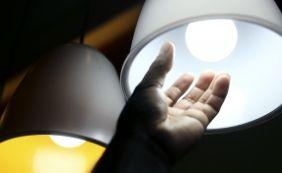 [Aneel assume que clientes pagaram R$ 1,8 bi a mais por erro em contas de luz]