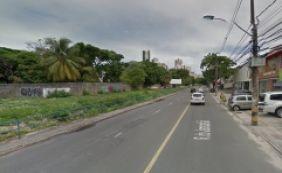 [Colisão entre dois carros deixa um ferido no bairro da Pituba]