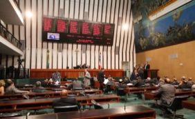 [Deputado do PSL nega chantagem ao governo e critica Nilo: