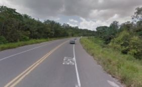 [Colisão entre carro e moto mata homem na BA-512; vítima morreu carbonizada ]