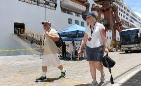 [Porto de Salvador recebe mais de 5 mil turistas nesta semana]