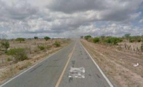 [Colisão entre carros mata dois jovens e deixa quatro feridos na BA-120]