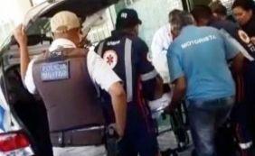 [Após ser socorrido, homem furta ambulância e foge com o veículo]