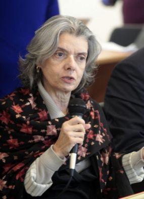 Ministra Cármem Lúcia pretende voltar a dar aula no início de 2018