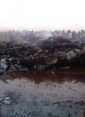 Avião com 45 pessoas a bordo cai e ninguém morre, veja