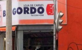 [Vigilância Sanitária inspeciona carne vendida em açougue no bairro da Barra]