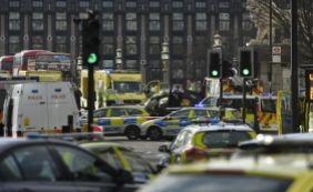 [ Polícia confirma quatro mortos e pelo menos 20 feridos após ataque em Londres]