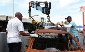 [Oito veículos sucateados são retirados em operação na Boca do Rio]