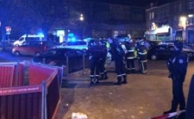 [Homem armado dispara contra civis em estação de metrô na França]