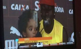 [TV Bahia erra de novo e identifica zagueiro do Vitória como se fosse do Bahia ]