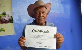 [Governo entrega 122 certificados de regularização ambiental rural em Itaberaba]