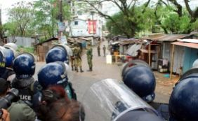 [Pelo menos 6 pessoas morrem e 25 ficam feridas por explosões em Bangladesh]