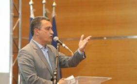 [Rui assina contrato com cidade de Barreiras para obras de infraestrutura]