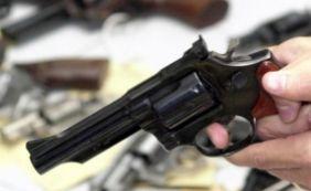 [Adolescente é morto com 11 tiros em bar de Teixeira de Freitas]