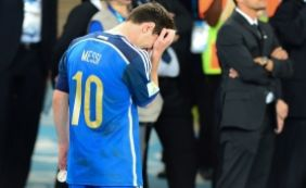 [Messi é punido por quatro jogos após insultar assistente brasileiro]