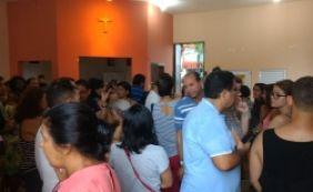 [Após confusão, moradores da Vila Laura são vacinados em igreja]