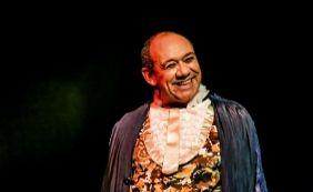 [Frank Menezes comemora apresentação gratuita na Barra: