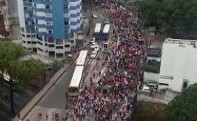 [Centrais sindicais fazem passeata contra reformas de Temer no Centro de Salvador]