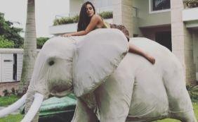 [Após festa de aniversário, Anitta se descuida e quase mostra demais; veja]