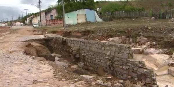 [Quatro anos após tragédia, Lajedinho sofre novamente com a chuva]