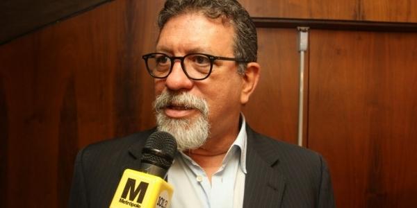 ['População reage ao impeachment dizendo 'volta, Lula'', diz deputado]