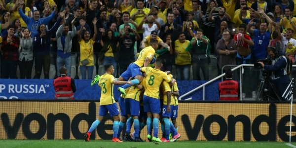 [Fifa pode punir Brasil por gritos de \'bicha\' durante partidas de futebol]