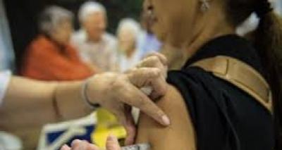 Decisão sobre fracionamento de vacina da febre amarela deve sair nesta quarta