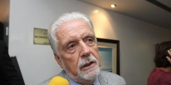 [Jaques Wagner critica apoio de Neto à reforma da Previdência]