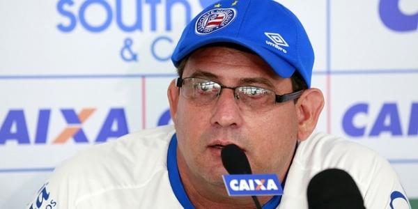 [Guto Ferreira se esquiva sobre titulares no Ba-Vi: 'Vamos ter um time forte']
