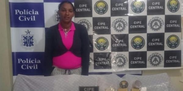 [Ex-mulher de traficante é presa com mais de 3 kg de drogas]