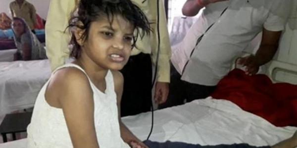 [Menina de 8 anos é achada vivendo em floresta com macacos; veja vídeo]
