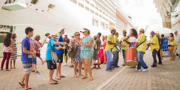 [Mais de 7 mil turistas devem desembarcar no Porto de Salvador em abril]
