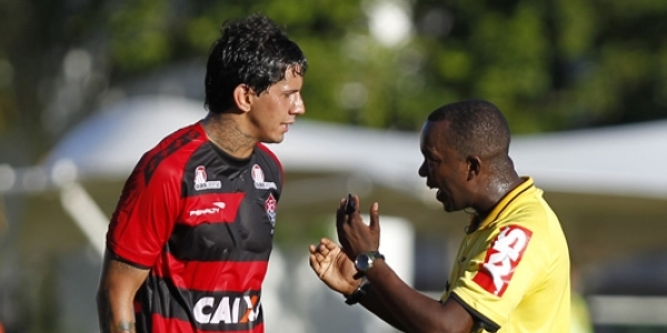 [Caso Victor Ramos: vídeo acusa Bahia de fazer falsificação que pode excluir Inter da Série B]