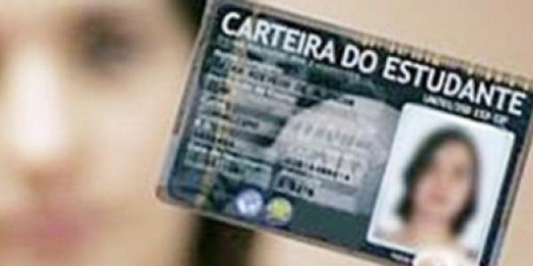 [Estudantes que não apresentam carteira física para comprovar meia entrada são 'barrados' no TCA]