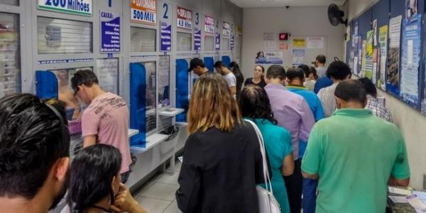 [ Acumulada, Mega-Sena pode pagar prêmio de R$ 36 milhões neste sábado]