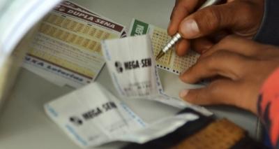 Acumulada, Mega-Sena pode pagar R$ 59 milhões em sorteio nesta quarta