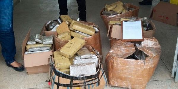 [Teixeira de Freitas: 190 kg de maconha, cocaína e crack são destruídos pela polícia ]