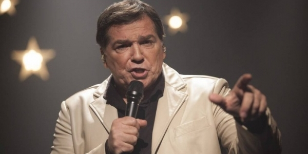 [Depois de trombose na perna, cantor Jerry Adriani volta a ser internado no Rio de Janeiro ]