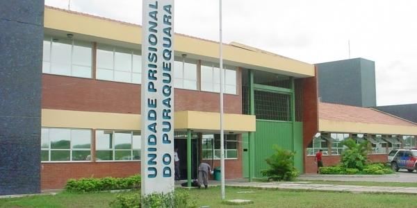 [Sobe para sete número de detentos mortos em presídio de Manaus]
