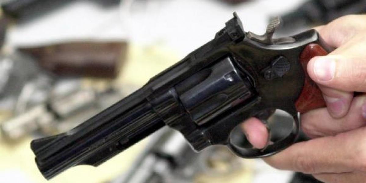 [Jovem de 20 anos é atingido por dois tiros durante assalto no Bairro da Paz]