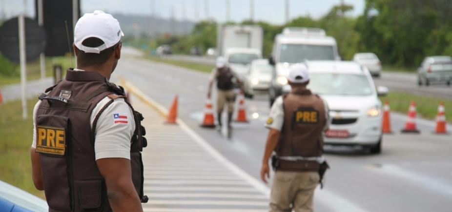 [Polícia Rodoviária autua 59 motoristas em operação na Linha Verde]