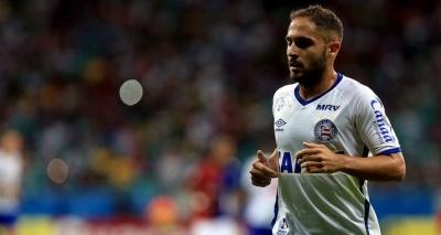 Após 'empurrão violento', Régis é suspenso do próximo jogo do Bahia