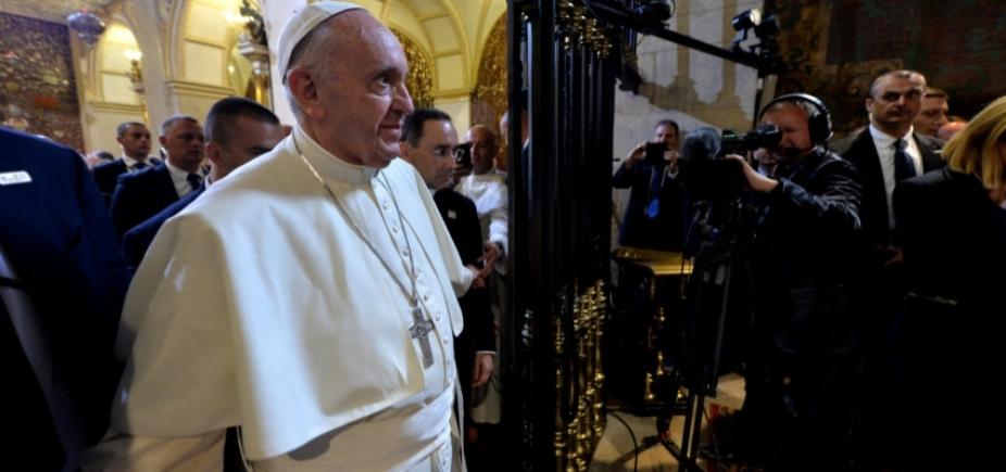 [Papa Francisco recusa visita e pede que Temer evite medidas contra os mais carentes]
