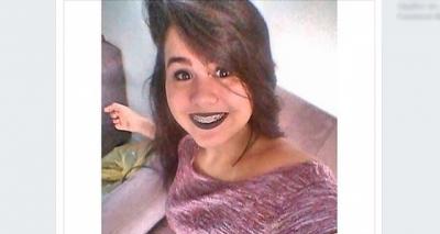 Parentes e amigos de adolescente morta em Itapuã fazem protesto e pedem justiça