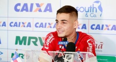 Bahia renova contrato com goleiro Jean até dezembro de 2019