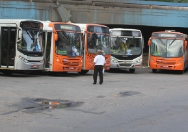Saída da cidade: Fluxo na rodoviária já é intenso para feriado de Tiradentes